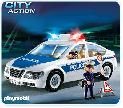 Masina de politie cu lumini