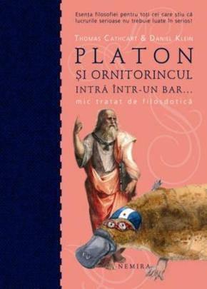 PLATON SI ORNITORINCUL INTRA INTR-UN BAR