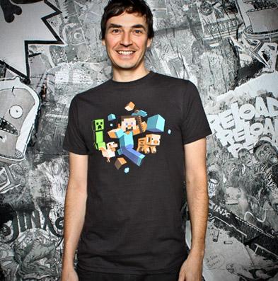 Minecraft T-Shirt Run Away! Glow in the Dark Size M