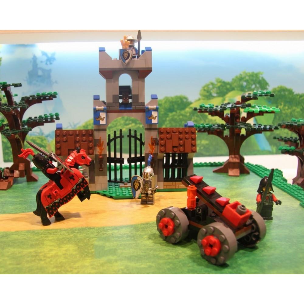 Lego Castle Raidul de la poarta de intrare
