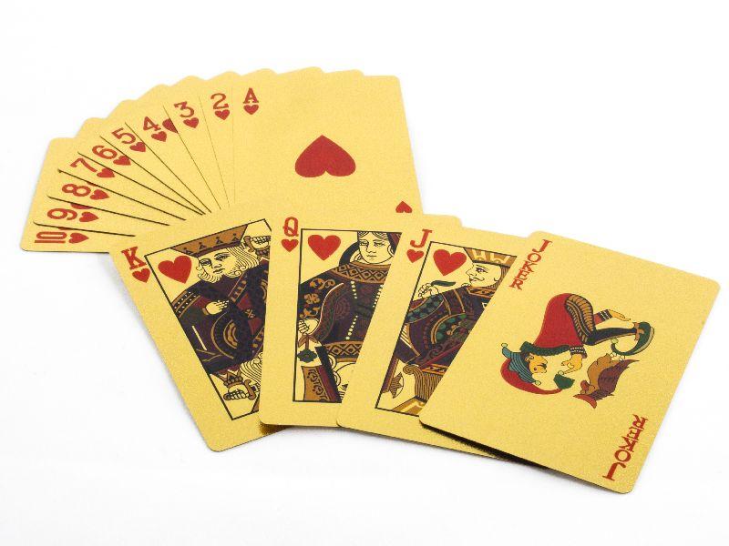 Carti de joc auriu