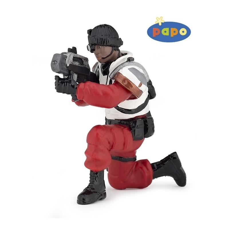 Figurina Papo,razboinic cu laser,rosu