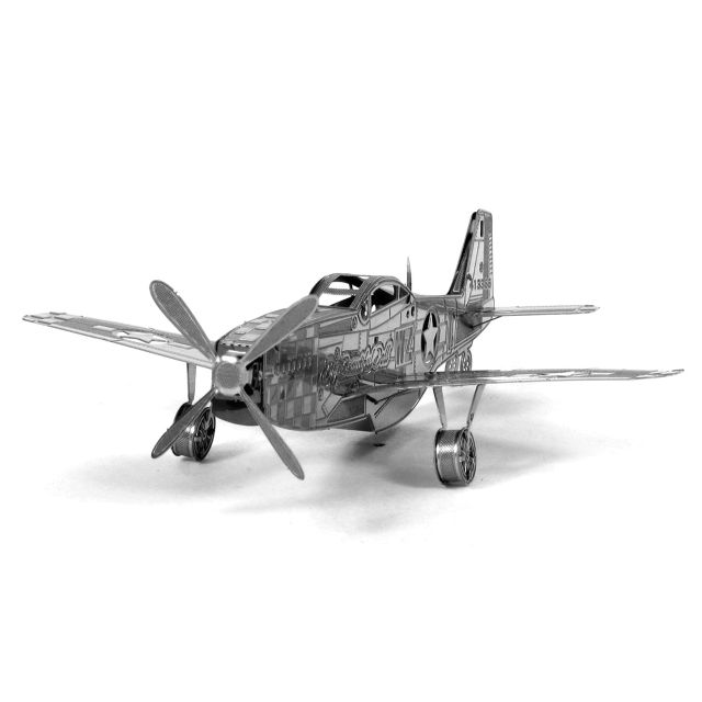 Avionul P-51 Mustang, Metale Earth