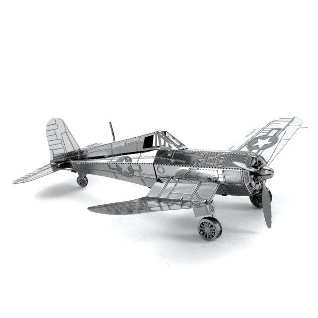 Avionul F4U Corsair, Metale Earth