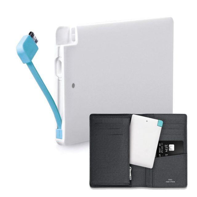 Baterie portabila format credit card