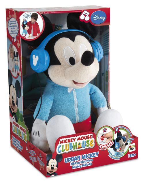 Plus Mickey,asculta muzica,casti