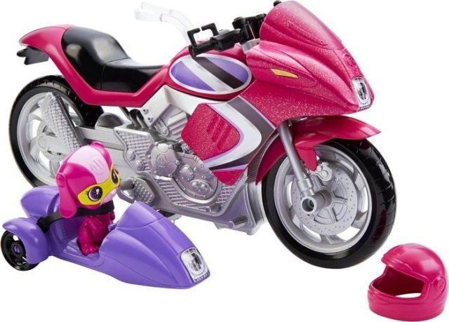 Motocicleta Barbie,echipa de spioni