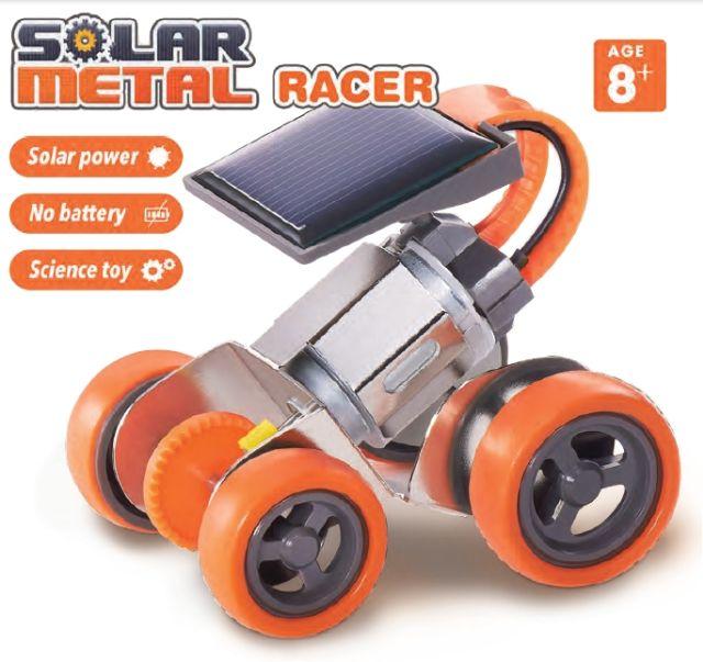 Masina din metal cu panou solar