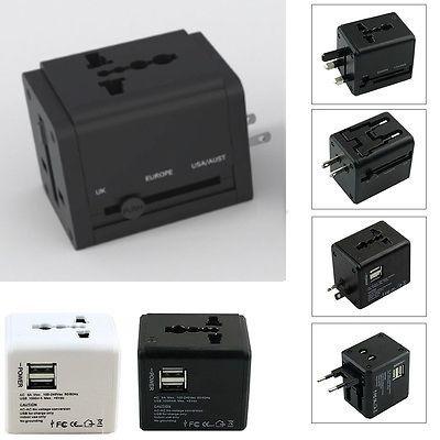 Adaptor travel cu USB, negru