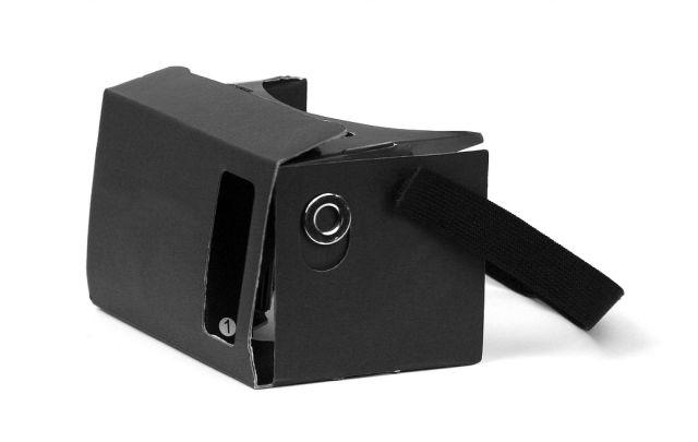 Dispozitiv VR de carton