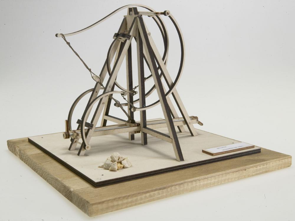 Catapulta lemn Leonardo da Vinci