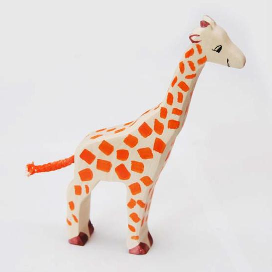 zzFigurina Girafa din lemn