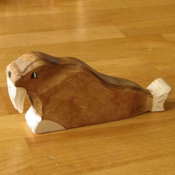 zzFigurina Morsa din lemn