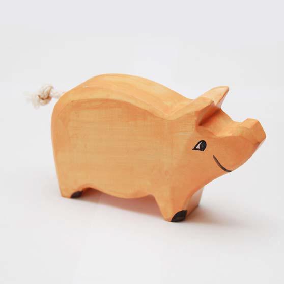 zzFigurina Porc din lemn