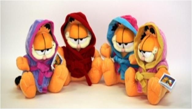 Plus Garfield cu halatel,div.culori