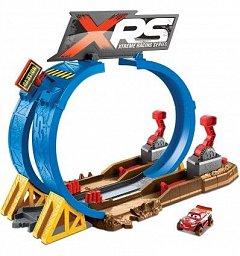 Set de joaca Cars,Xtrem Racing,provocarea de pe pista