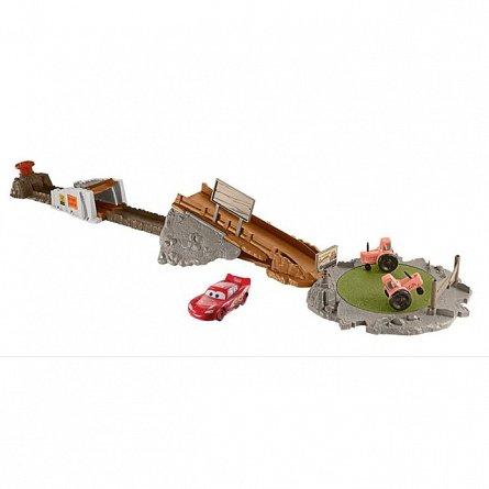 Set de joaca,Disney Cars 3,Smokey's Tractor,cursa infernala