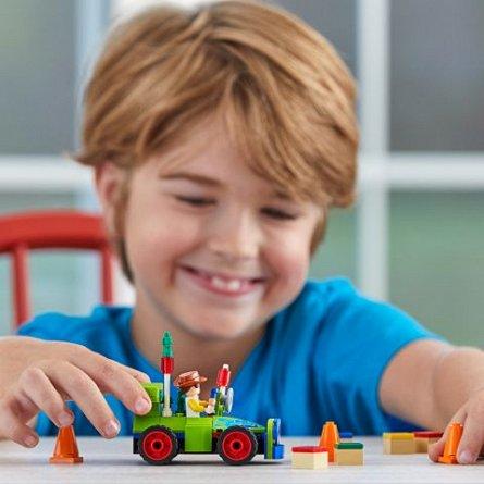 LEGO Juniors Woody si RC