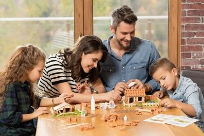 Set constructie Brick Trick - Moara de vant, din caramidute ceramice