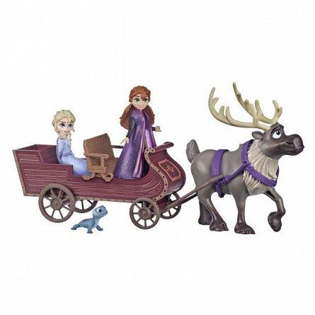 Set papusi Disney Frozen 2 - Anna si Elsa, cu sanie