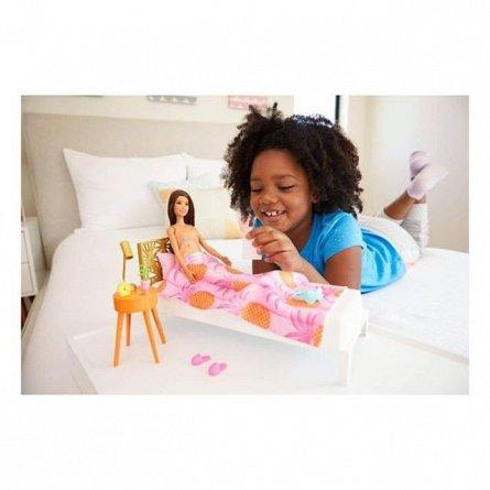 Papusa Barbie Estate - Set mobilier dormitor si accesorii